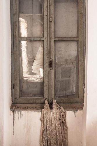 raam met blouse